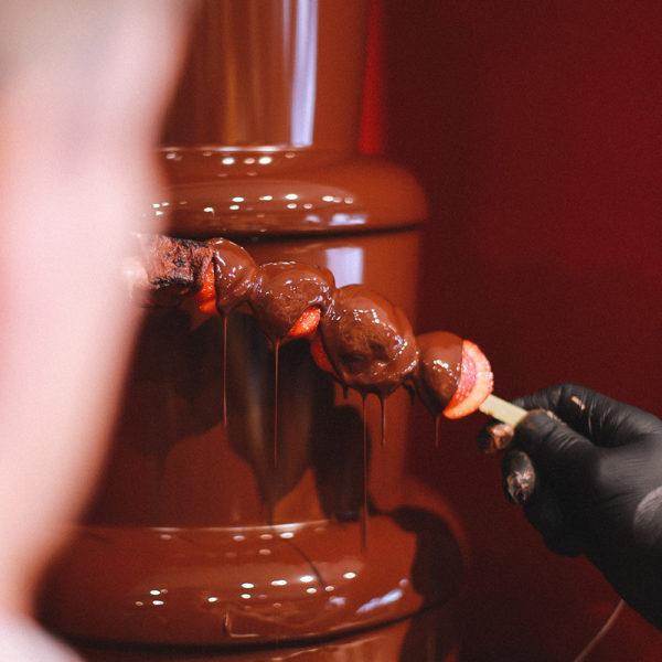 Aardbijenstick met chocolade - Metropolitan